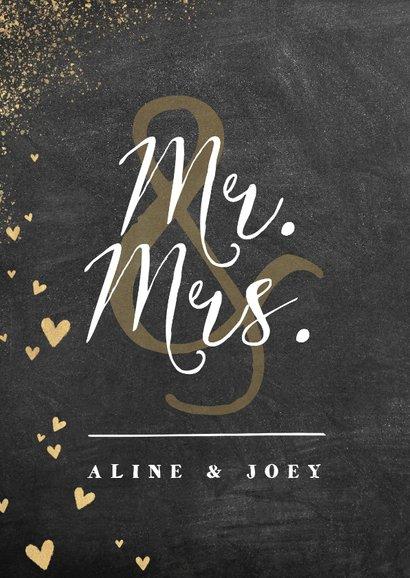 Felicitatiekaart huwelijk met krijtbord en gouden hartjes 2