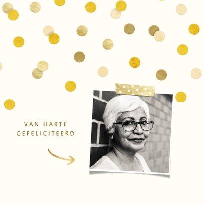 Felicitatiekaart met gouden 'met pensioen' en confetti 2