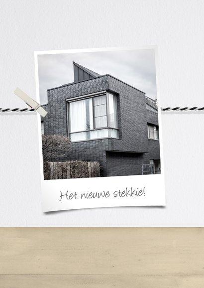 Felicitatiekaart nieuw huis met houten huisje en fotocollage 2