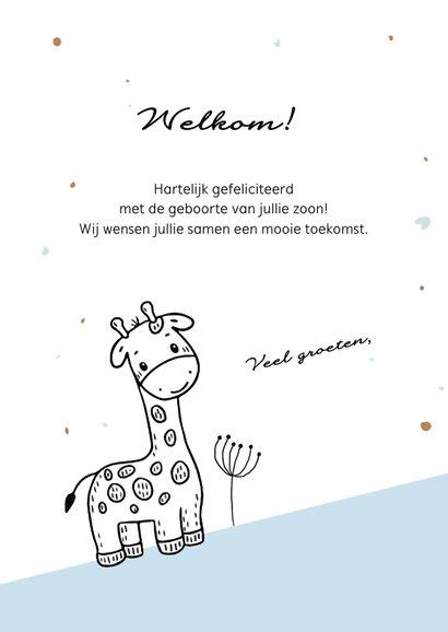 Felicitatiekaart voor geboorte jongen met giraf in de bergen 3
