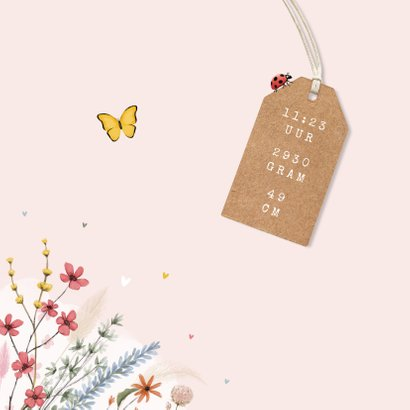Geboortekaartje bloemen lief hartjes label vlinders 2
