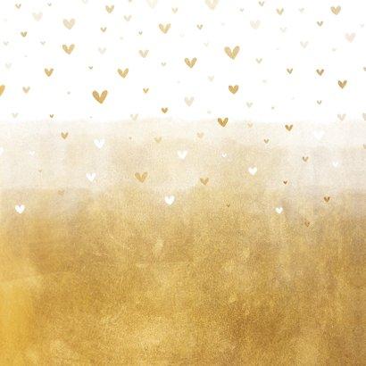 Geboortekaartje gouden achtergrond met hartjes Achterkant