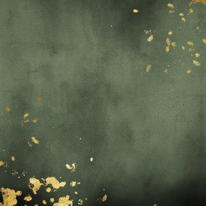 Geboortekaartje groene waterverf gouden spetters Achterkant