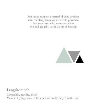 Geboortekaartje jongen met driehoekjes en rondje 2