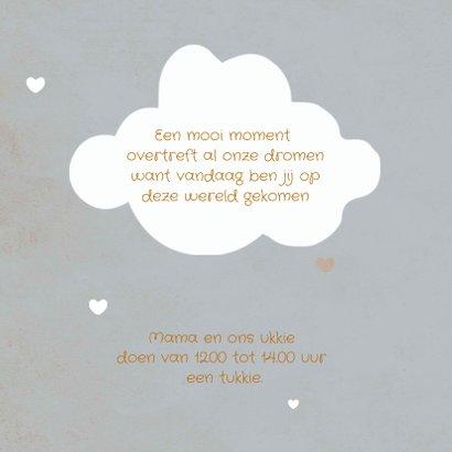 Geboortekaartje jongen met schattig wolkje en hartjes label 2