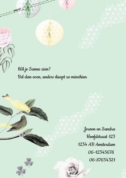 Geboortekaartje met vrolijke vogeltjes, bloemen en pompoms 2