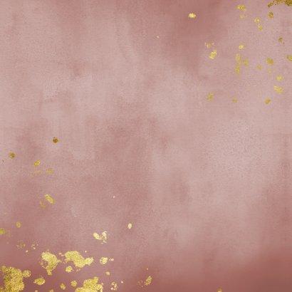 Geboortekaartje oud roze waterverf gouden spetters Achterkant