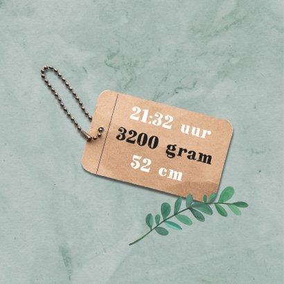 Geboortekaartje stoer met hout en label 2