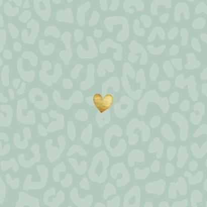 Geboortekaartje voor een jongen met panterprint en hartje Achterkant