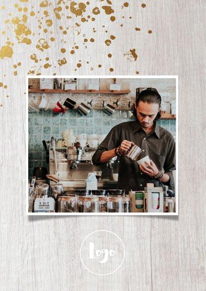 Geschäftliche Weihnachtskarte mit Fotos auf Holz 2