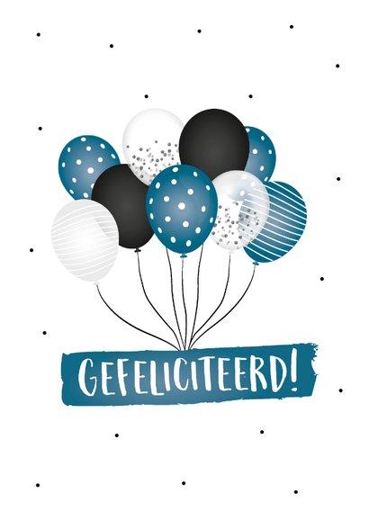 Geslaagd kaart met confetti, ballonnen en een hoed 2