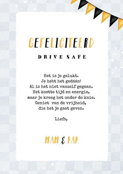 Geslaagd rijbewijs voor jongen met auto's en vlaggen 3