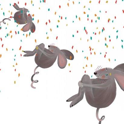 Muis die een gat in de lucht springt! Zo blij!! 2