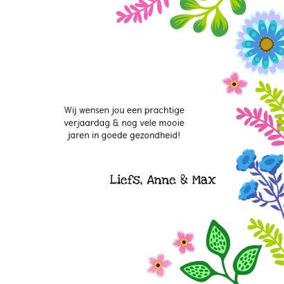 Gezellige verjaardagskaart met bloemen en planten 3
