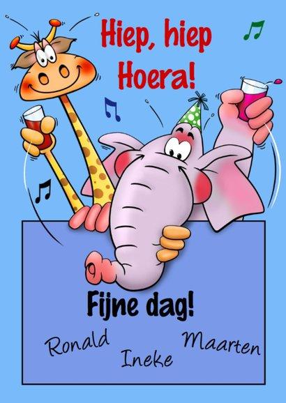Grappige verjaardagkaart met giraf die proost met cola 3