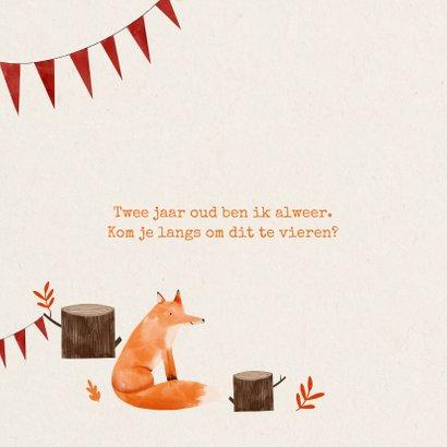 Hip kinderfeestje uitnodiging vosje in het bos en slingers 2