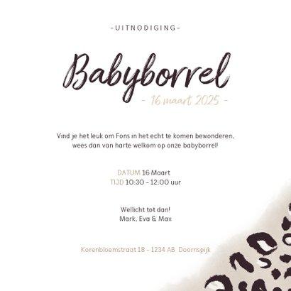 Hippe babyborrel uitnodiging met taupe panterprint en datum 3