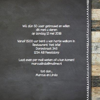 Hippe jubileumkaart  fotocollage - krijtbord hout 3