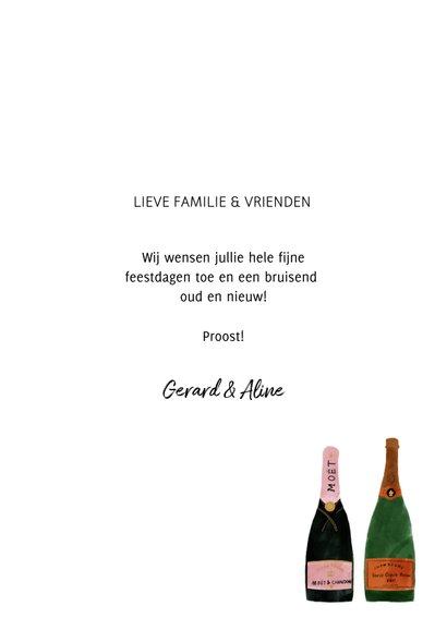 Hippe nieuwjaarskaart met champagneflessen en 2021 3