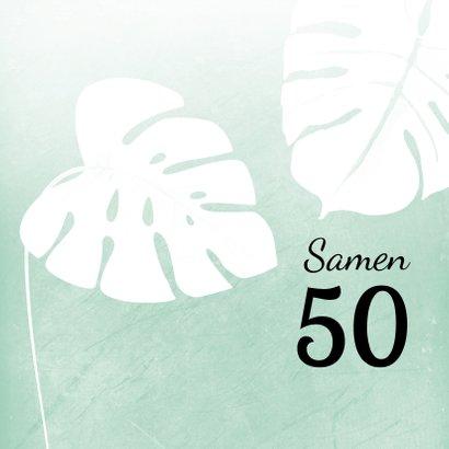 Hippe uitnodiging met foto en tropische bladeren 2