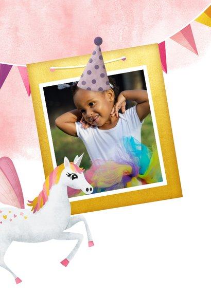 Hippe uitnodiging verjaardag kind met eenhoorn en sterretjes 2