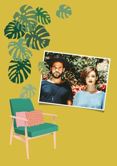 Hippe verhuiskaart met planten en stoel 2