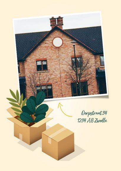 Hippe verhuiskaart 'New Home' met dozen, planten en kat 2