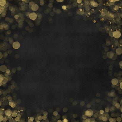 Hippe zwarte kerstkaart met gouden Christmas en 2 foto's Achterkant