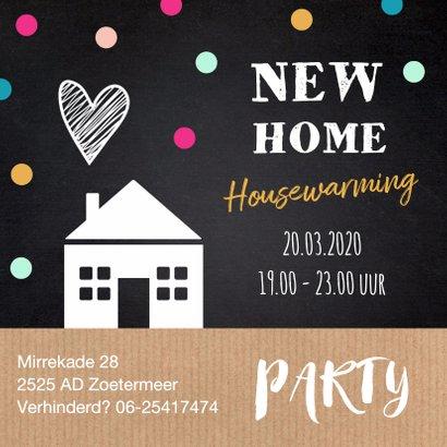 Housewarming uitnodiging huisje stippen krijtbord kraft 2