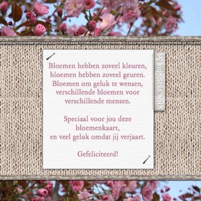 Jarig bloemen en naamkaartje d 3
