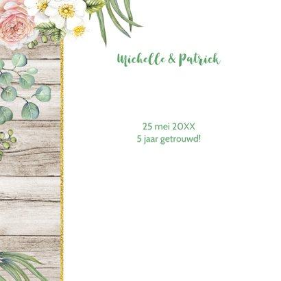Jubileum huwelijk rozen op hout 2