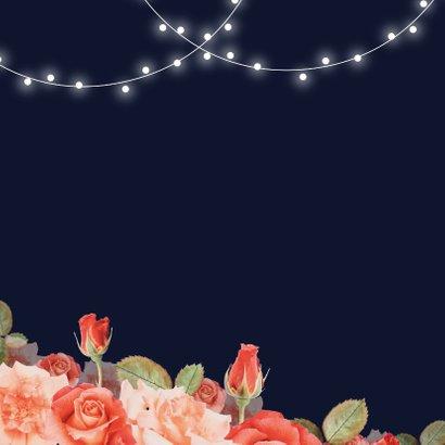 Jubileum uitnodiging stijlvol rood bloemen rozen lampjes  2