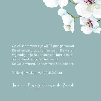 Jubileumkaart Grote witte en roze bloemen 3