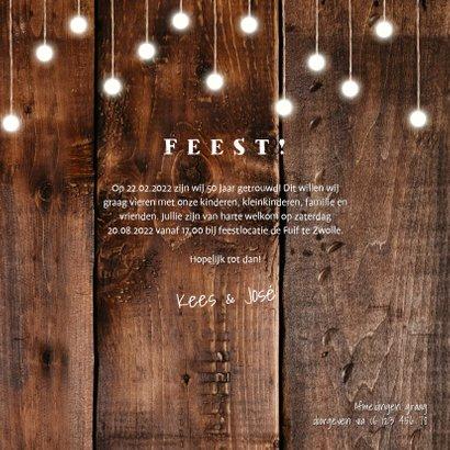 Jubileumkaart hout met hangende lampjes en foto's 3