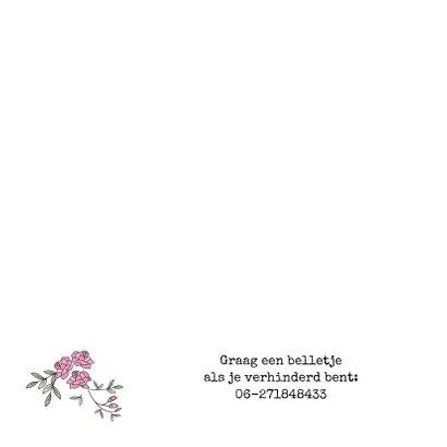 Jubileumkaart krans van blaadjes en rozen met twee duiven 2