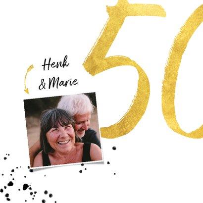 Jubileumkaart met gouden 50, spetters en foto 2