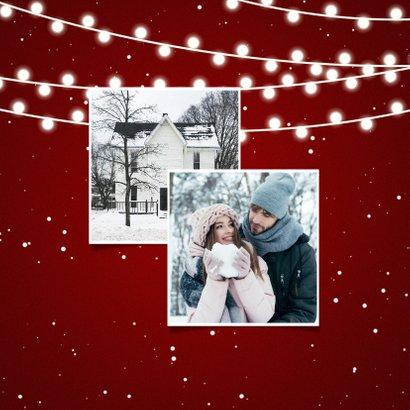 Kerst-verhuiskaart met lampjes, sneeuw en wegwijzerbord 2