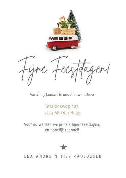 Kerst verhuiskaart met Volkswagen busje en spullen op dak 3