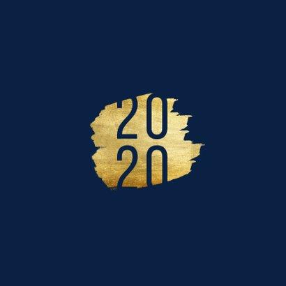 Kerstkaart '2020' met goudaccent 2