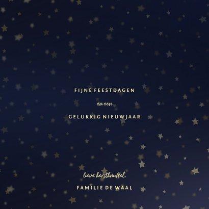 Kerstkaart donkerblauw goudlook met sterren en foto's 3
