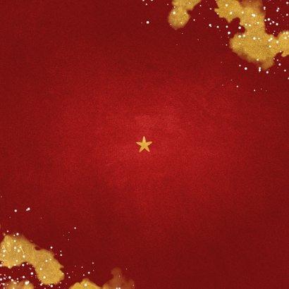 Kerstkaart fotocollage Fijne Feestdagen rood met goud Achterkant