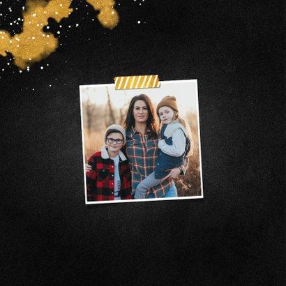 Kerstkaart fotocollage Merry Christmas krijtbord met goud 2