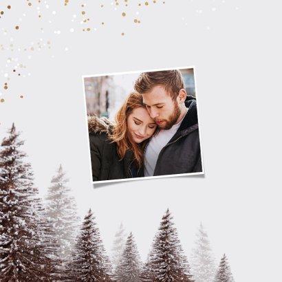 Kerstkaart goudlook confetti kerstbomen winter 2