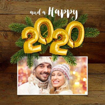 Kerstkaart hout en ballonnen goud XMAS 2020 2