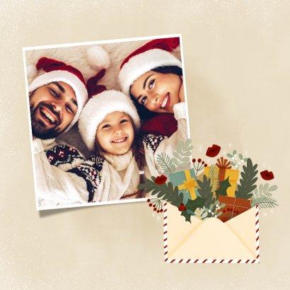 Kerstkaart illustratie kerstkus door de brievenbus, kusjes 2