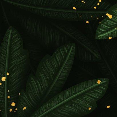 Kerstkaart jungle bladeren met gouden 'christmas' Achterkant