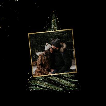 Kerstkaart kader van dennen met grote foto 2