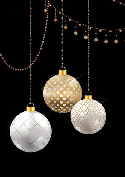 Kerstkaart kerstballen wit met goud  2