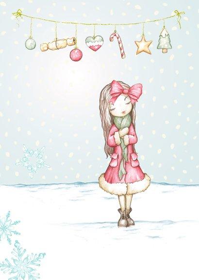 Kerstkaart meisje in de sneeuw met kerstversiering 2