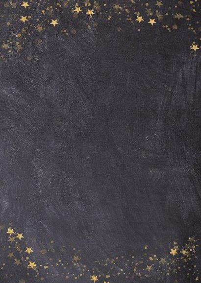Kerstkaart met een krijtbord achtergrond en sterren Achterkant